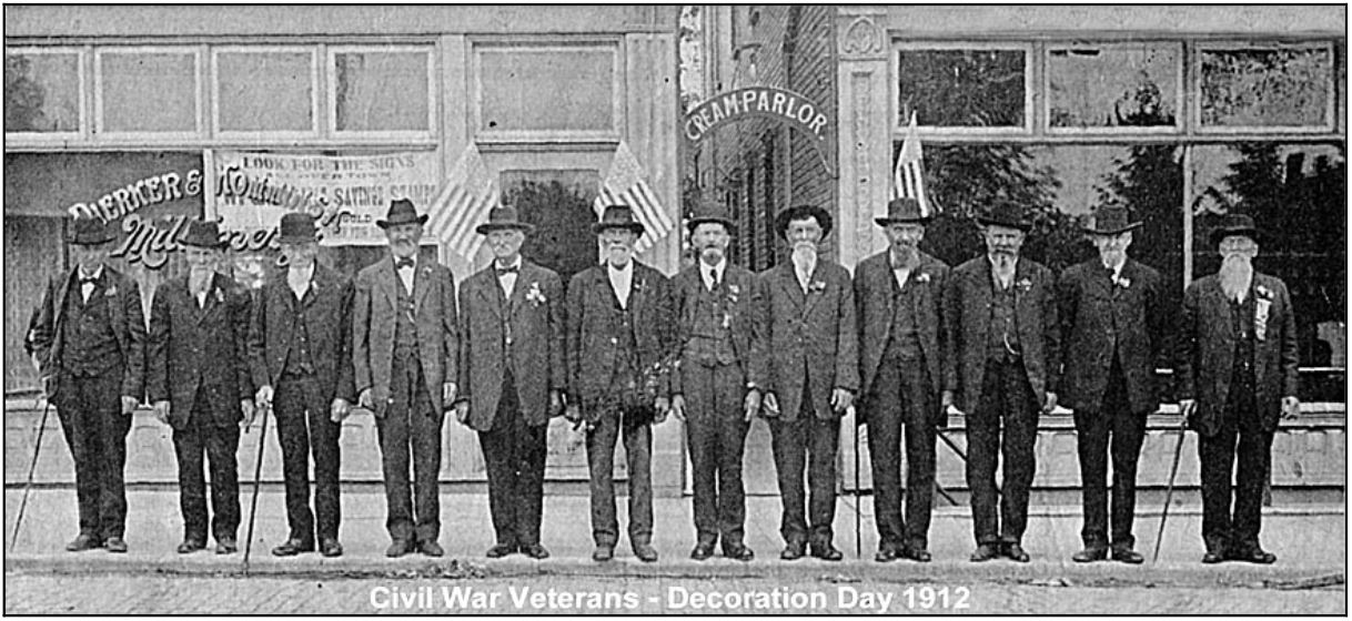 CIVIL WAR VETERANS IN 1912 DECORATION DAY PARADE